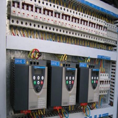 تابلوهای ولتاژ پائین وهاج صنعت
