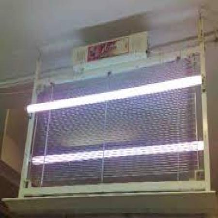 حشره کش الکتریکی 4 وات  خارجی دارای لامپ جذب حشره